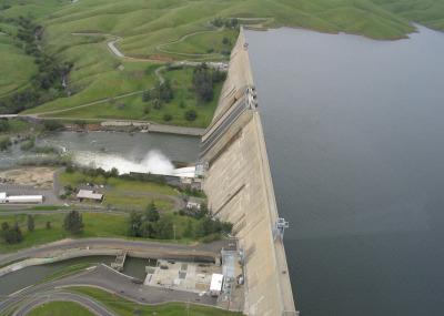 Friant dam 836x627