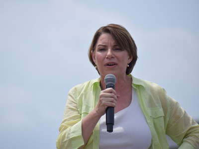 Amy Klobuchar speaks at ISF 2019 soapbox 4