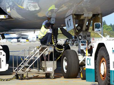 Refueling airplane
