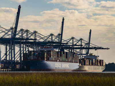 Port container ship1