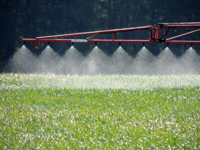 sprayer_crops_chemicals