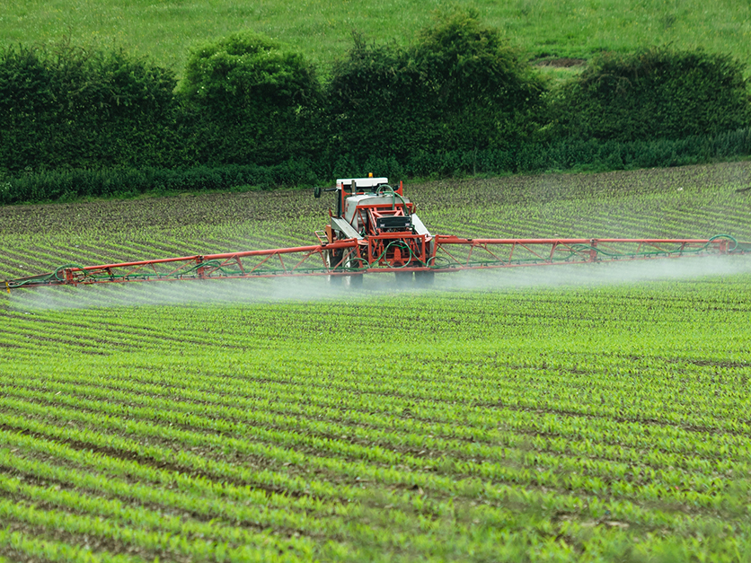 sprayer_crops_chemicals2
