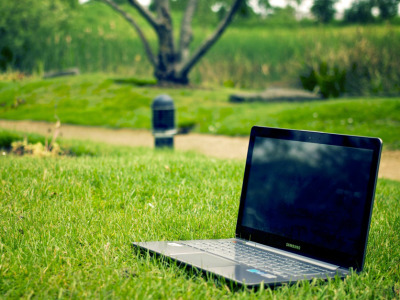Rural_broadband_laptop
