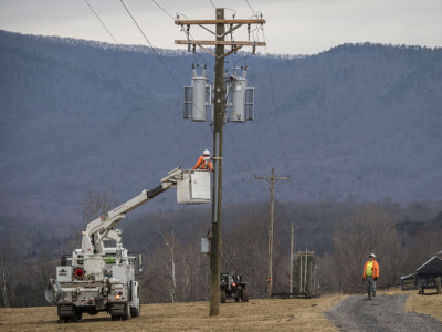 Rural_broadband_power_pole